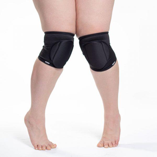 Sleek Black knee pads Queen