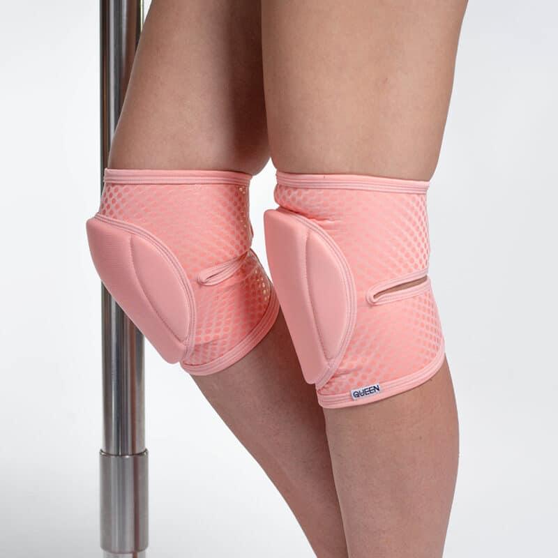Queen Grippy Flamingo Knee Pads