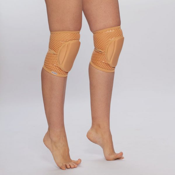 queen nude caramel grip knee pads for pole dance 2