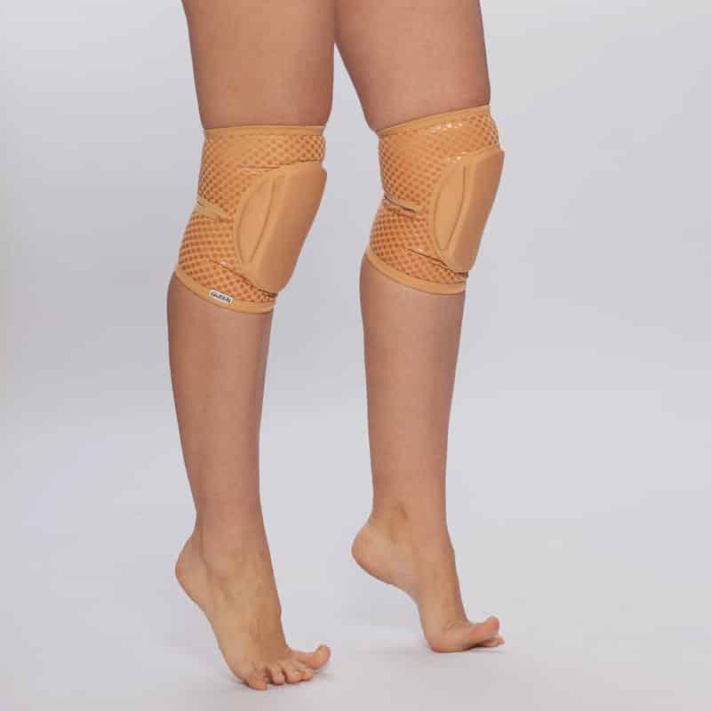 queen nude caramel grip knee pads for pole dance 2
