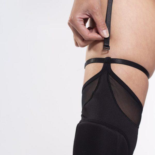 queen Garter belt for knee pads 4