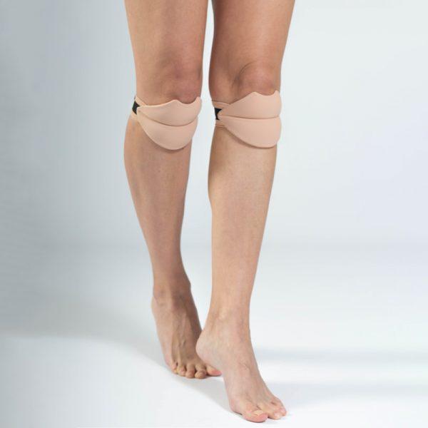 queen brand lips knee pads 3