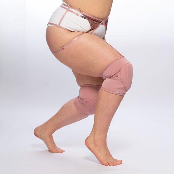 queen set of knee pads and garter belt brand 8